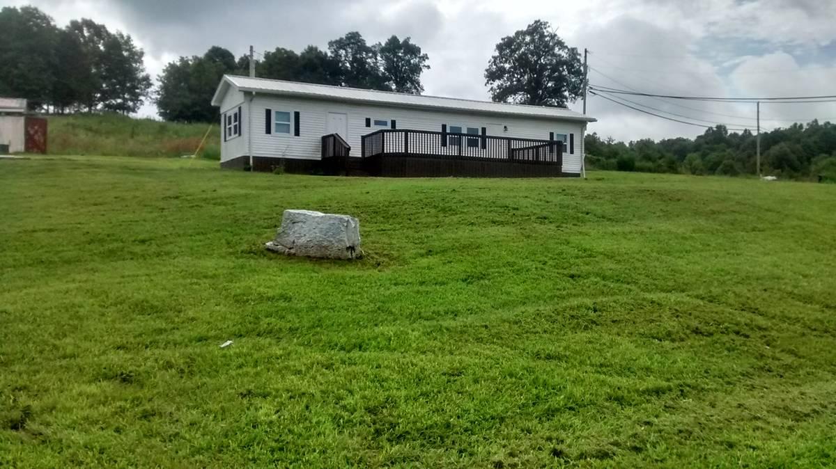 11974 Highway 690 in Custer, Kentucky